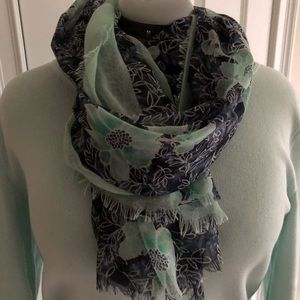 Accessories - Blue floral scarf